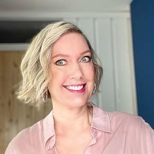 Angeline Bristol - Social Media Expert